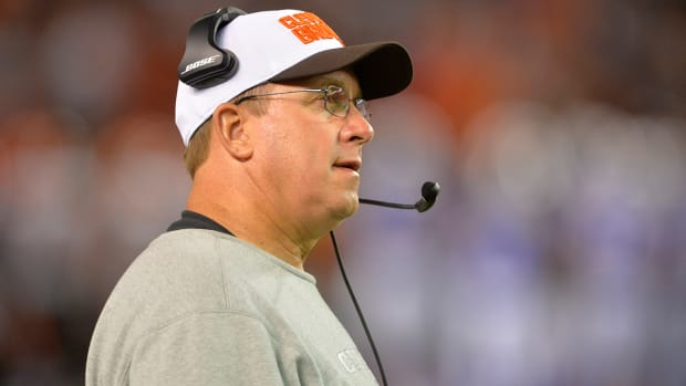 Cleveland Browns OL coach Andy Moeller suspended indefinitely - IMAGE