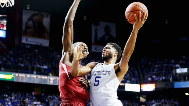 Andrew-Harrison-Kentucky-Arkansas.jpg