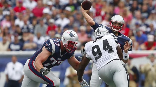 Report: New England Patriots LT Nate Solder out for season with torn biceps -- IMAGE