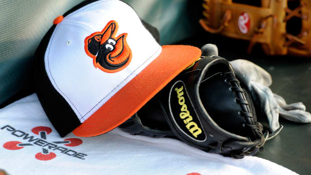 baltimore-orioles-ariel-miranda-sign-contract.jpg