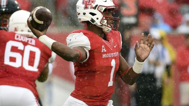 How Houston's Greg Ward evolved from a wideout into one of the nation's preeminent dual-threat QBs