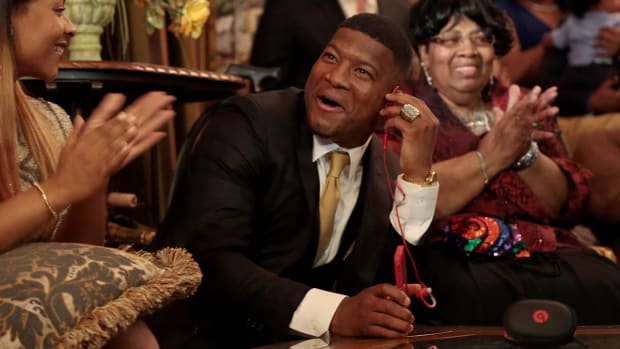 2157889318001_4209781026001_Jameis-Winston-signs-contract-with-Bucs.jpg
