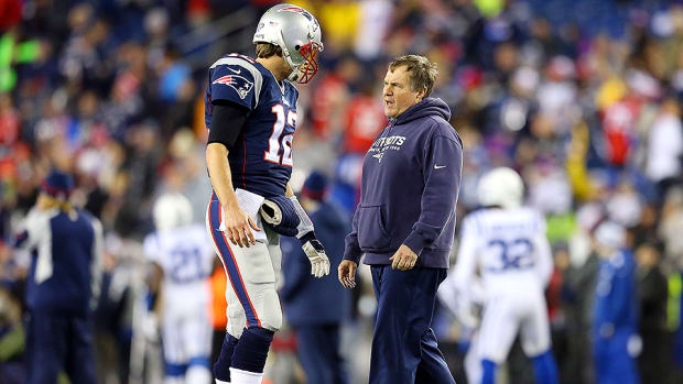 tom-brady-bill-belichick-deflategate-nfl-year-in-review.jpg