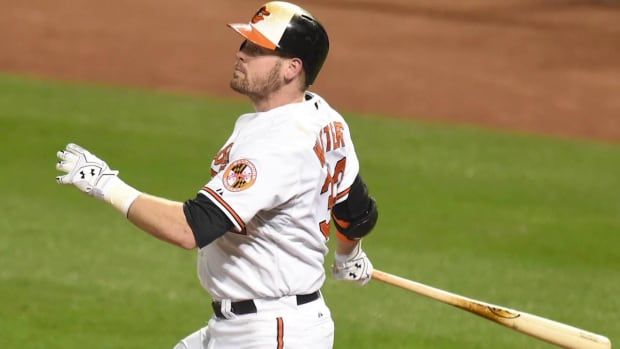 Reports: Orioles catcher Matt Wieters accepts team's qualifying offer -- IMAGE