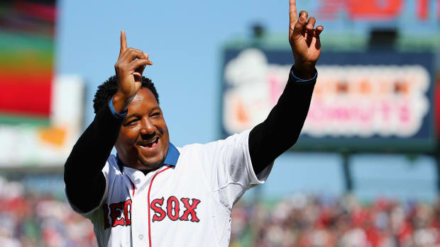 boston-red-sox-pedro-martinez-number-retired.jpg