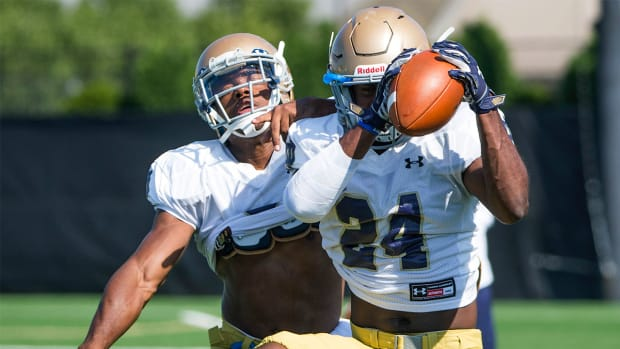 Notre Dame CB Shaun Crawford to miss season with torn ACL--IMAGE
