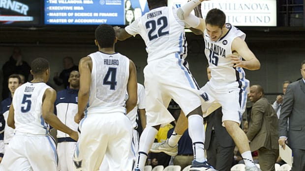 Villanova takes over a No. 1 seed in Bracket Watch