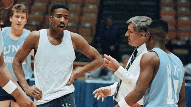 What Kenny Smith is going to do with Dean Smith's $200 check - Image
