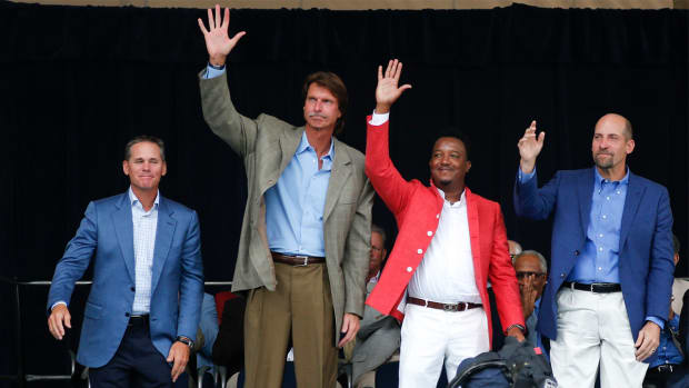 Pedro Martinez, Randy Johnson, John Smoltz, Craig Biggio inducted into Baseball Hall of Fame IMAGE