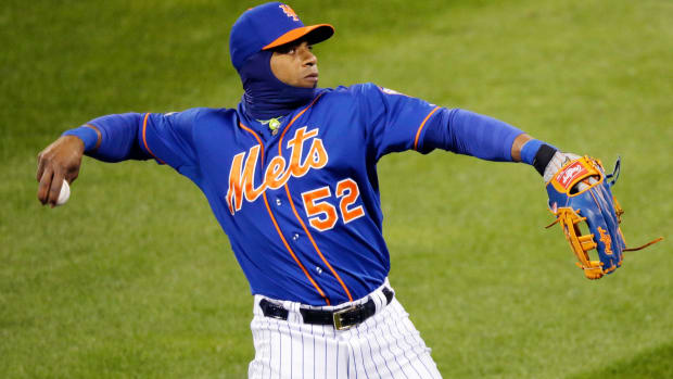 yoenis-cespedes-signs-contract.jpg