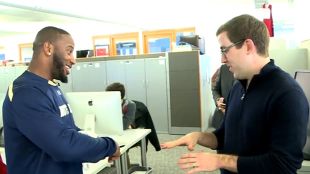 Patriots RB Jonas Gray has fun finding out if SI remembers him-image