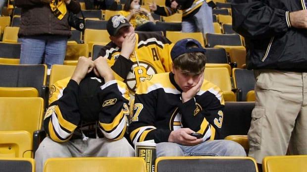 Bruins-fans-Elsa.jpg