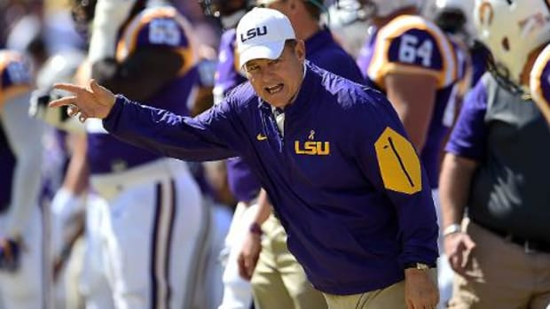 #DearAndy: How to fire Les Miles IMAGE