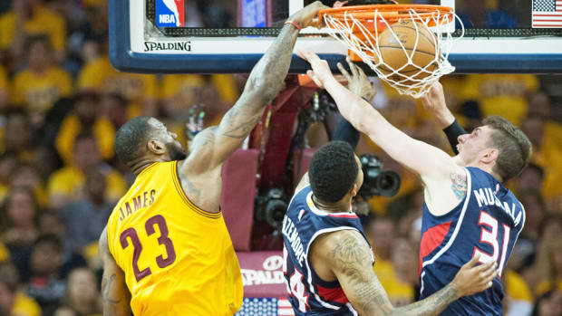 lebron-james-cavaliers-hawks-dunk-game-3-2015-nba-playoffs.jpg