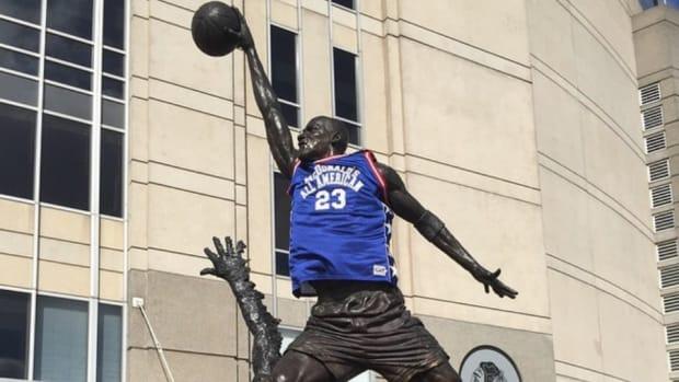 Micahel Jordan statue dons McDonald's All-American Jersey