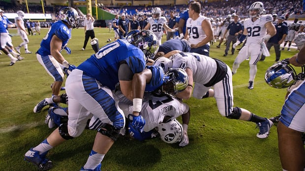 Memphis punishes 12 players for brawl after bowl game