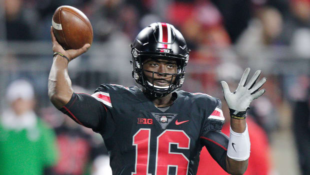 J.T.Barrett-Ohio-State-Week-8-Betting-Lines.jpg