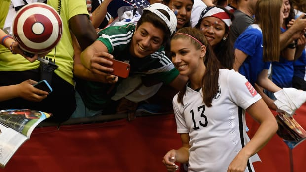 U.S. to play Colombia in Round of 16 at Women's World Cup IMAGE