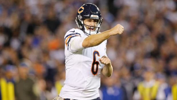 Bears beat Chargers 22-19 on Monday Night Football - IMAGE