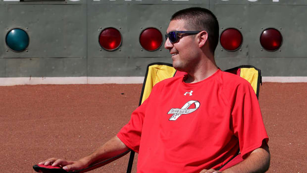 red-sox-sign-pete-frates-als.jpg