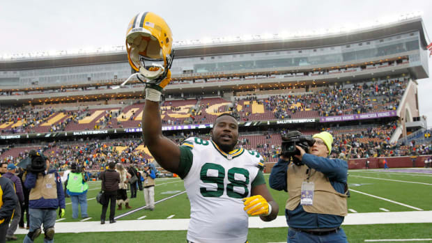green-bay-packers-letroy-guion-domestic-violence