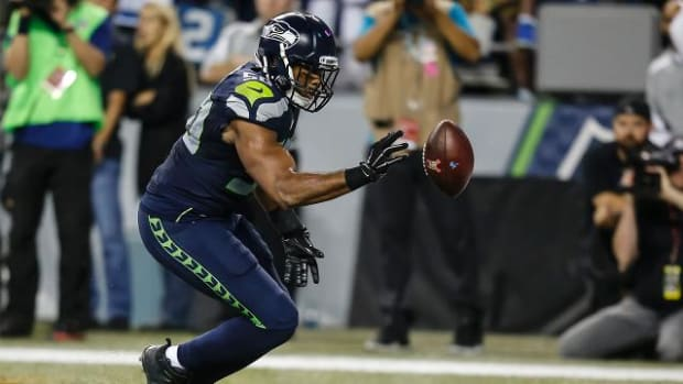 Controversial no-call helps Seahawks beat Lions - IMAGE