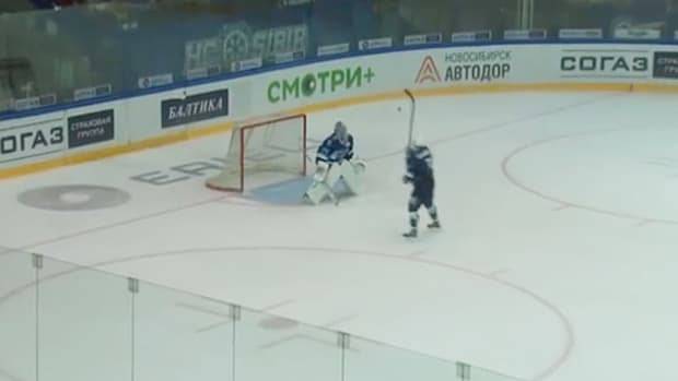 Sergei-Shumakov-shootout.jpg