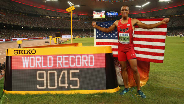 ashton-eaton-decathlon-world-record-2015-world-championships-_beijing.jpg