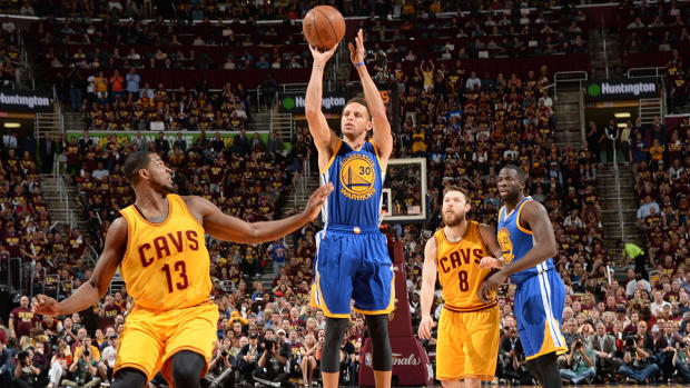 Warriors go small, win big in Game 4 over Cavaliers IMG