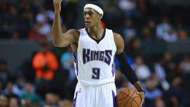 Kings guard Rajon Rondo suspended 1 game for dispute with official IMAGE