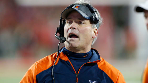tim-beckman-illinois-fighting-illini-allegations.jpg