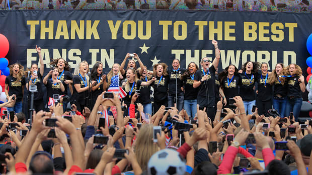 uswnt-parade-world-cup-victory-mls-floats.jpg