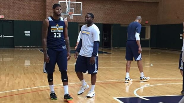 Paul George returns to Pacers practice IMAGE