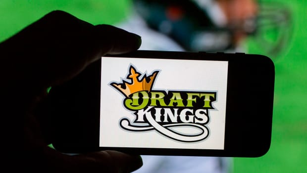 ESPN cuts sponsored daily fantasy sports elements from shows--IMAGE