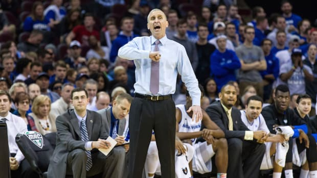 bobby hurley buffalo bulls contract coaching extension