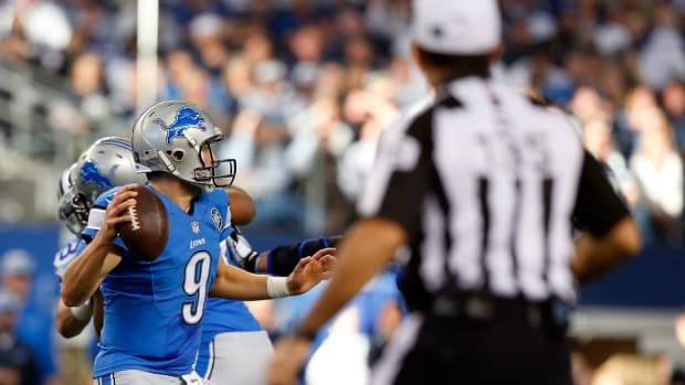 Detroit Lions fans put up angry billboards