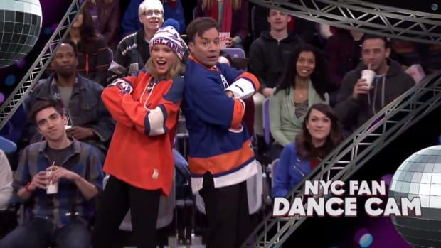 Taylor Swift, Jimmy Fallon are America's premier Jumbotron dancers