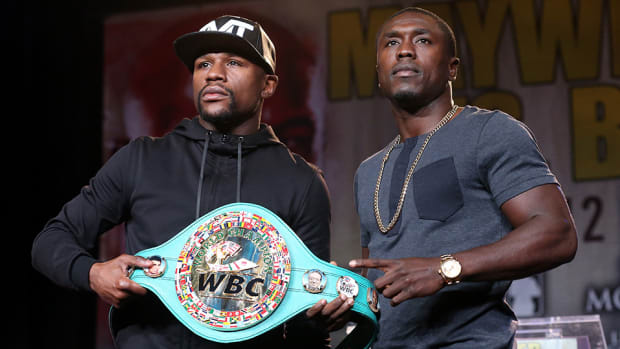 floyd-mayweather-andre-berto-showtime-interview.jpg
