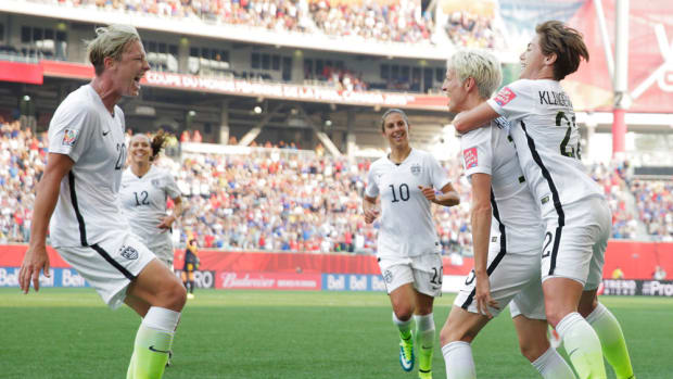 fifa-womens-world-cup-megan-rapinoe-abby-wambach.jpg