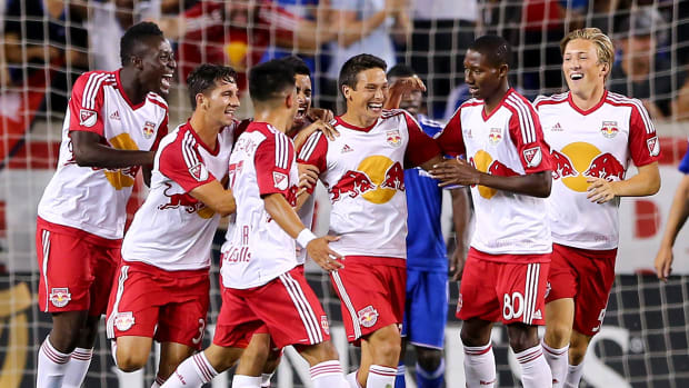 Red Bulls score on trick corner kick; MLS says it shouldn't have counted--IMAGE