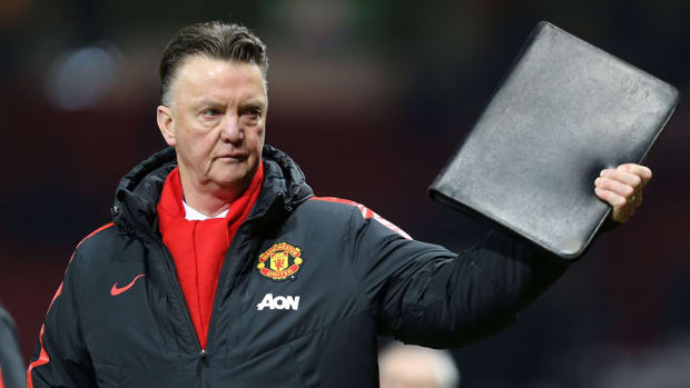 manchester united louis van gaal charged comments