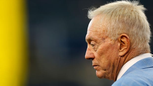 DraftKings stakeholder Jerry Jones defends daily fantasy sports - IMAGE