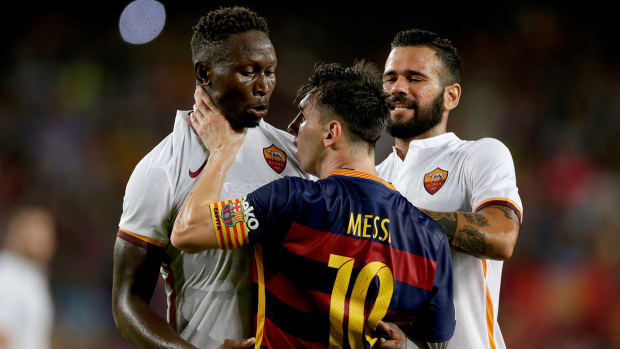2157889318001_4401748751001_Messi-Headbutts-Roma-player-in-freindly.jpg