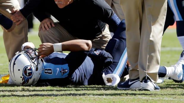 Report: Titans QB Marcus Mariota to undergo MRI on knee IMAGE