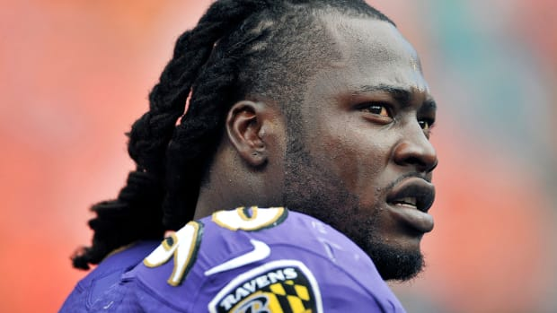Report: Bears sign Pernell McPhee to five-year contract IMAGE