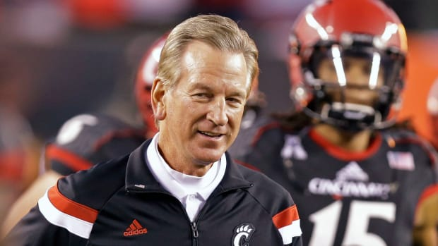 tommy-tuberville-cincinnati-withholds-money.jpg