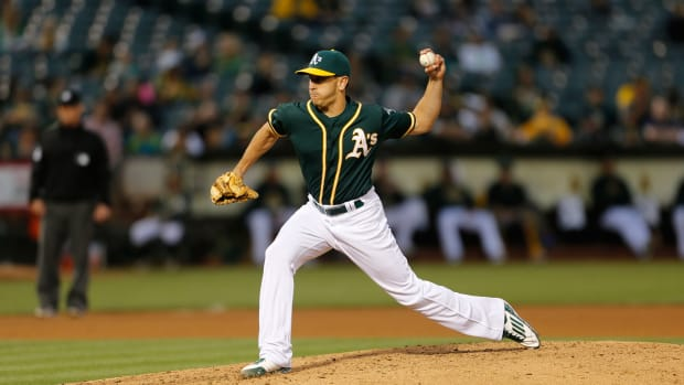 pat-venditte-switch-pitcher-recalled.jpg