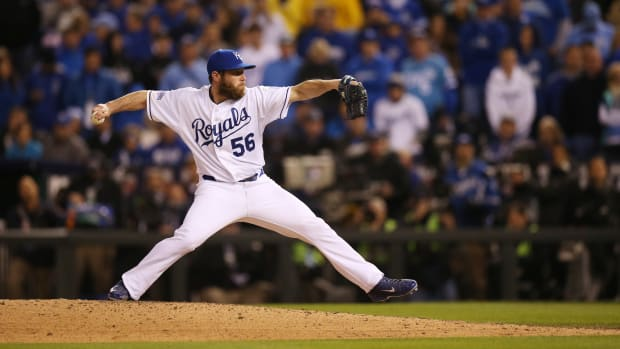 greg-holland-royals-contract