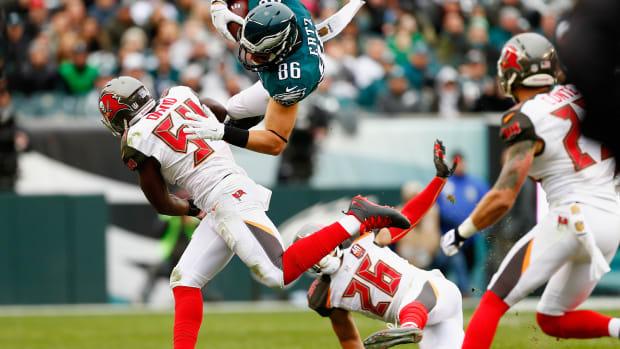 eagles-zach-ertz-concussion.jpg