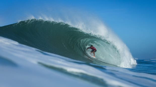 julian-wilson-world-surf-league-vans-triple-crown-pipeline-960.jpg